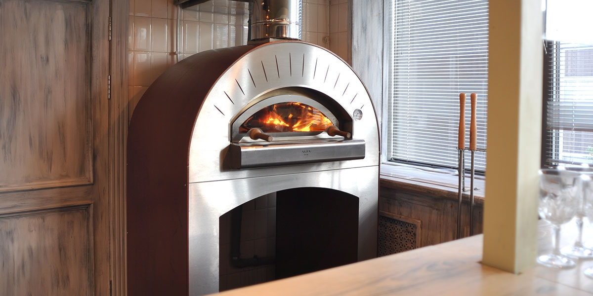 wood-burning-pizza-ovens-for-restaurant-1200x600